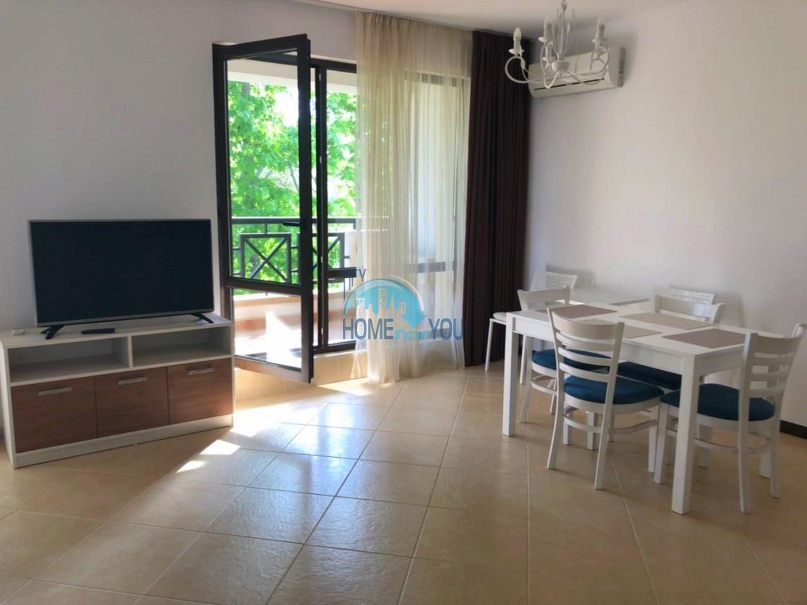 Меблированная двухкомнатная квартира с обворожительным видом на парковую зону в элитном комплексе Oasis Resort & Spa, Лозенец
