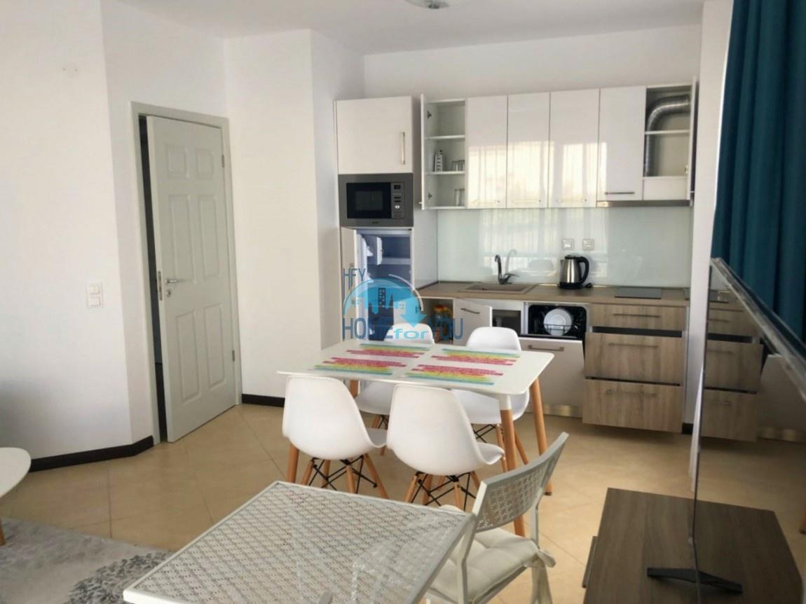 Великолепная двухкомнатная квартира с мебелью в комплексе класса люкс Oasis Resort & Spa, Лозенец