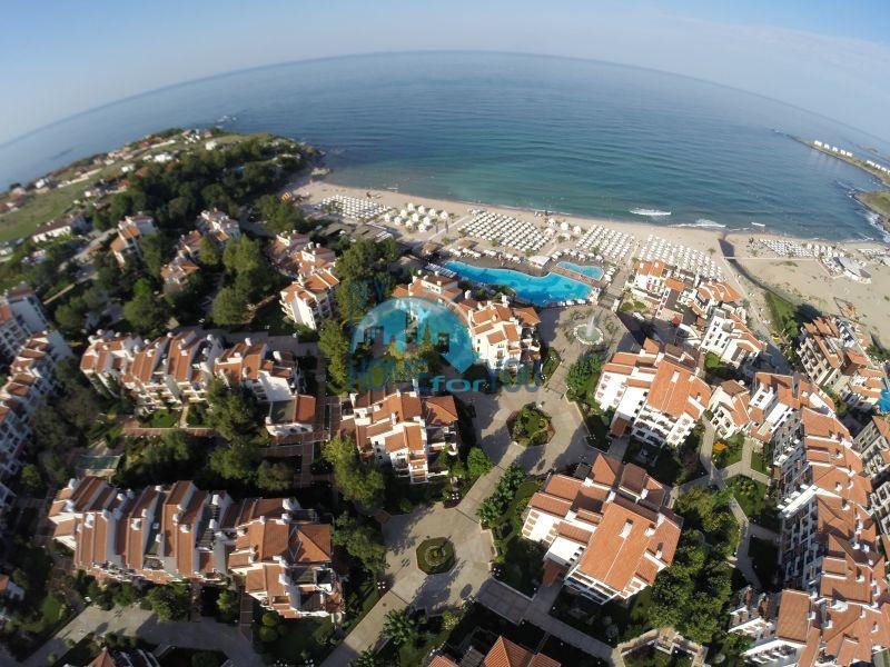 Отличная трехкомнатная квартира с видом на море в Оазисе 2