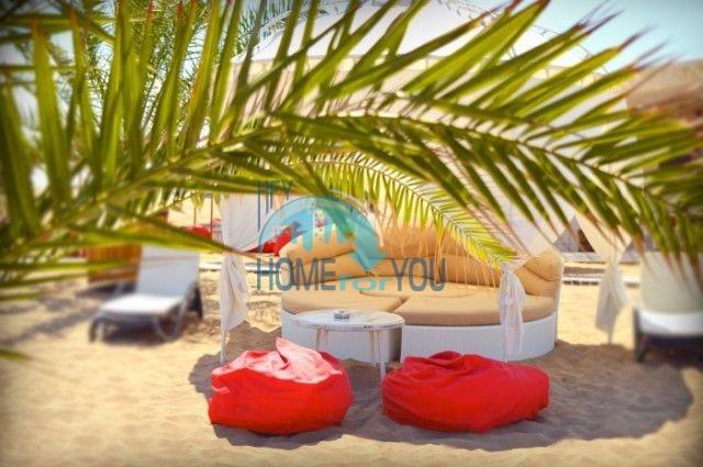 Отличная трехкомнатная квартира с видом на море в Оазисе 7