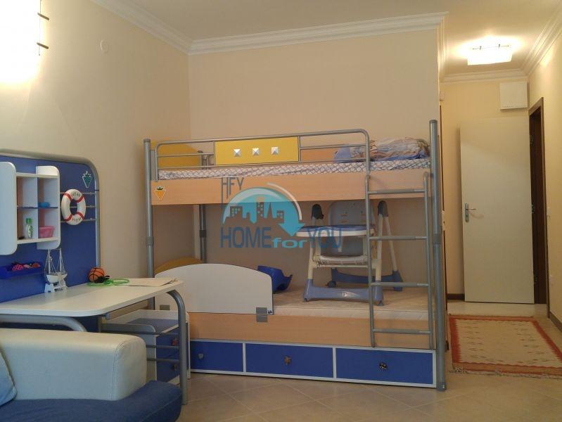 Отличная трехкомнатная квартира с видом на море в Оазисе 26