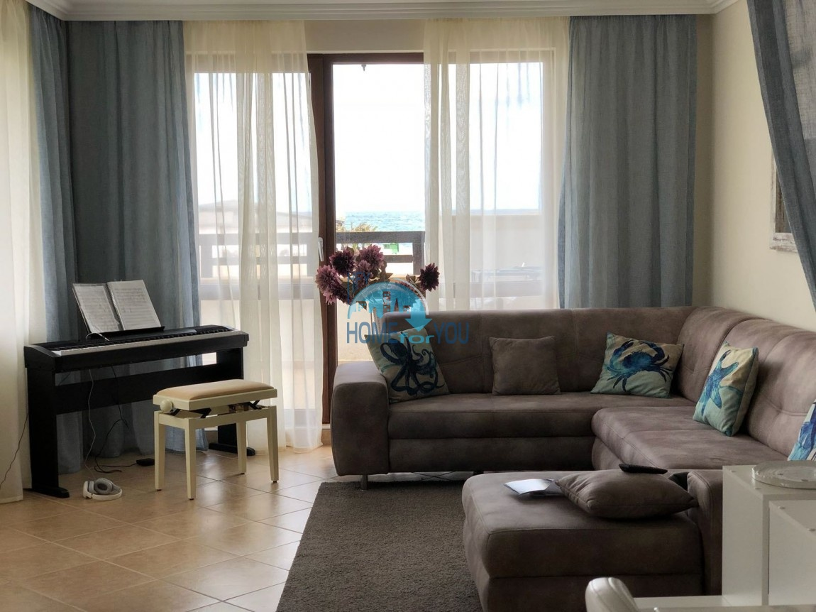 Роскошный трехкомнатный апартамент на первой линии моря в престижном комплексе  «Oasis Beach Club», курорт Лозенец