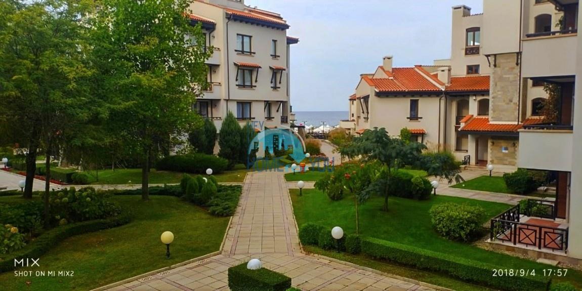 Прекрасная двухкомнатная квартира с видом на море и роскошные сады комплекса класса люкс Oasis Resort & Spa, Лозенец 21