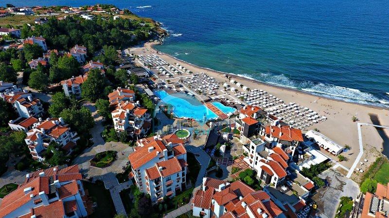 Прекрасная двухкомнатная квартира с видом на море и роскошные сады комплекса класса люкс Oasis Resort & Spa, Лозенец 37