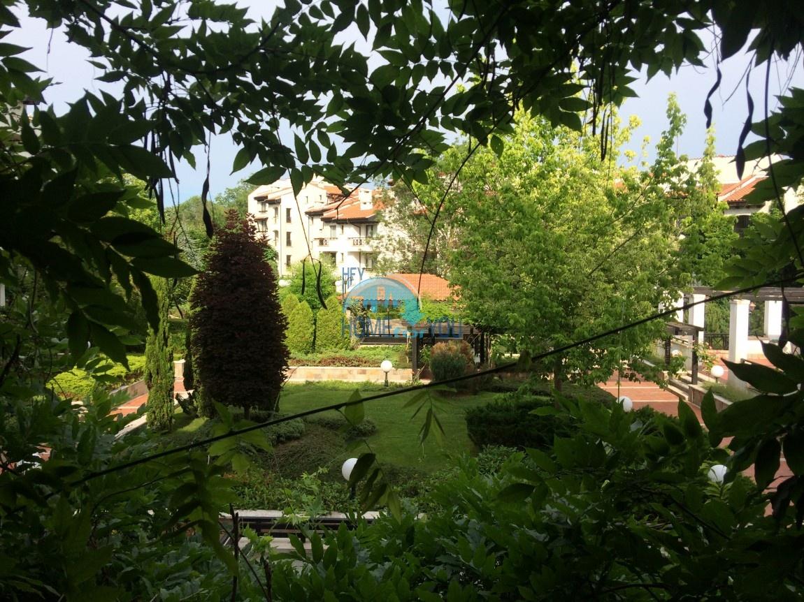 Прекрасный двухкомнатный апартамент на первой линии моря по выгодной цене в элитном комплексе Oasis Resort And Spa 4