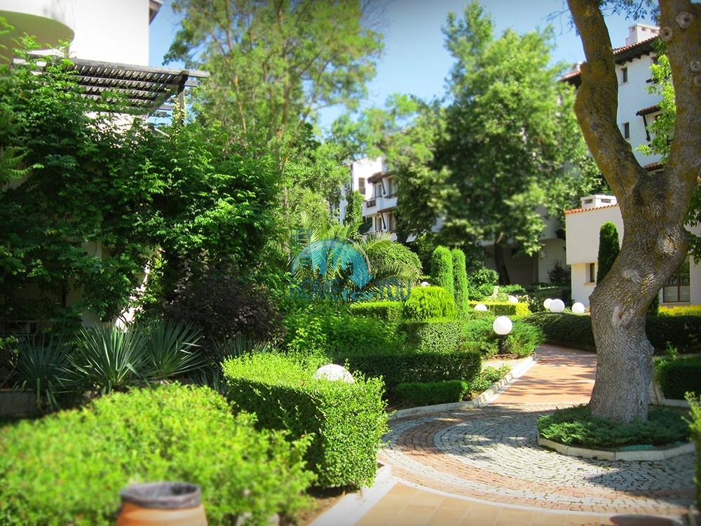 Продается двухкомнатная квартира с видом на море в Оазис Резорт и Спа, Лозенец 17