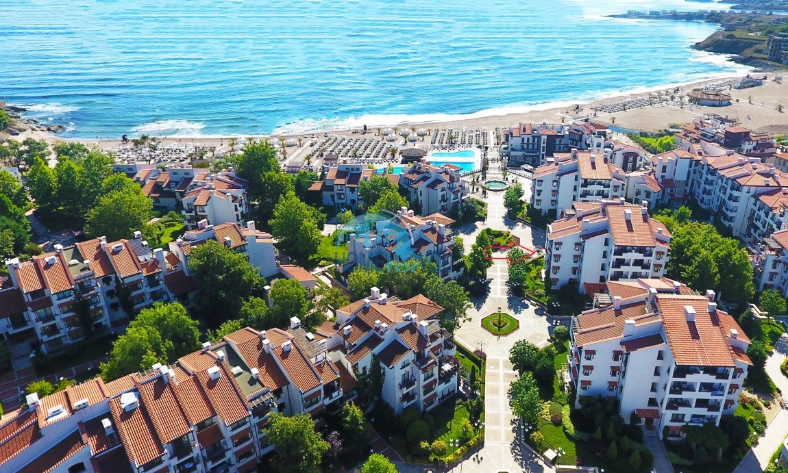 Продается двухкомнатная квартира с видом на море в Оазис Резорт и Спа, Лозенец 28