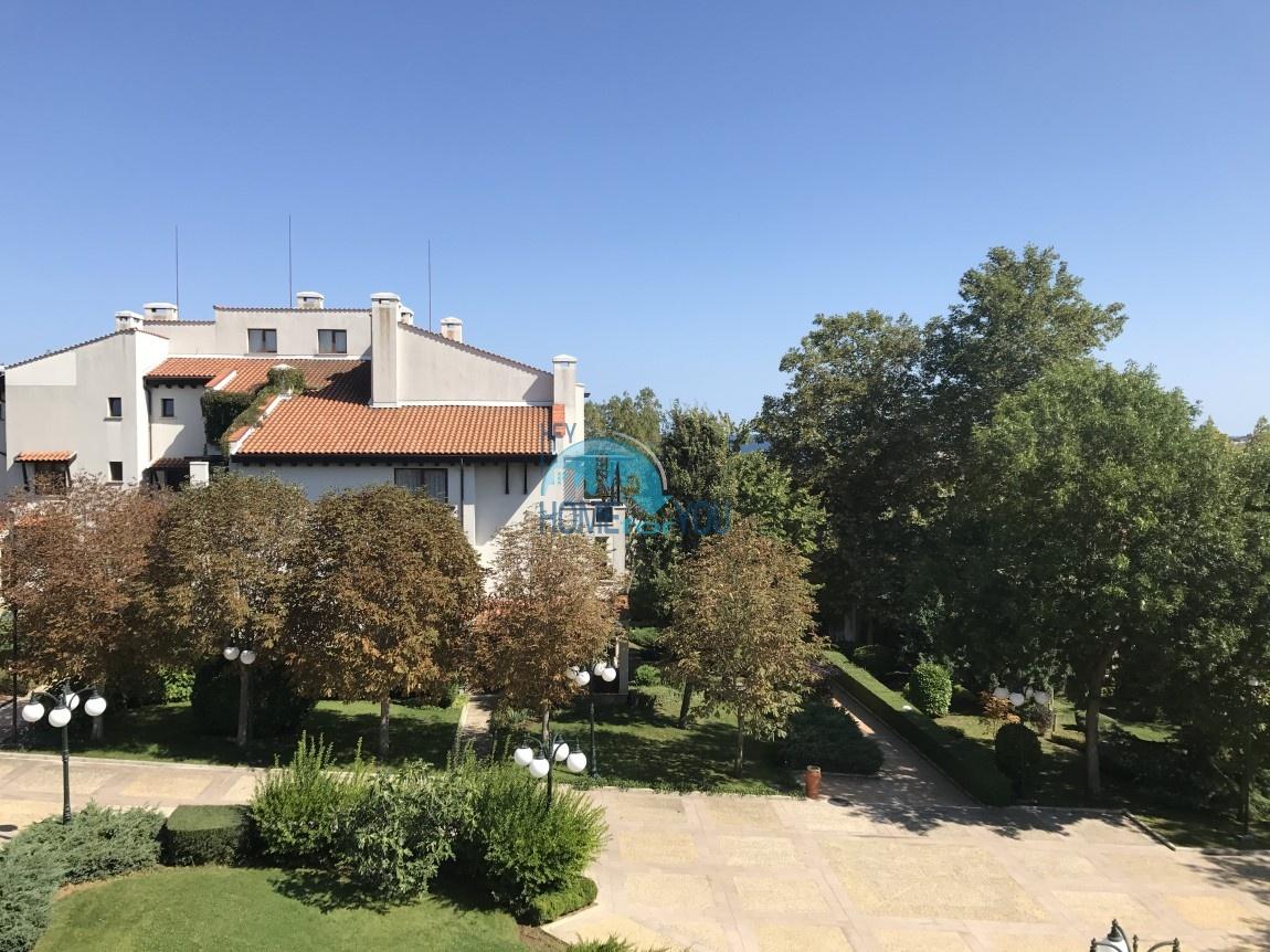 Продается двухкомнатная квартира с видом на море в Оазис Резорт и Спа, Лозенец 9