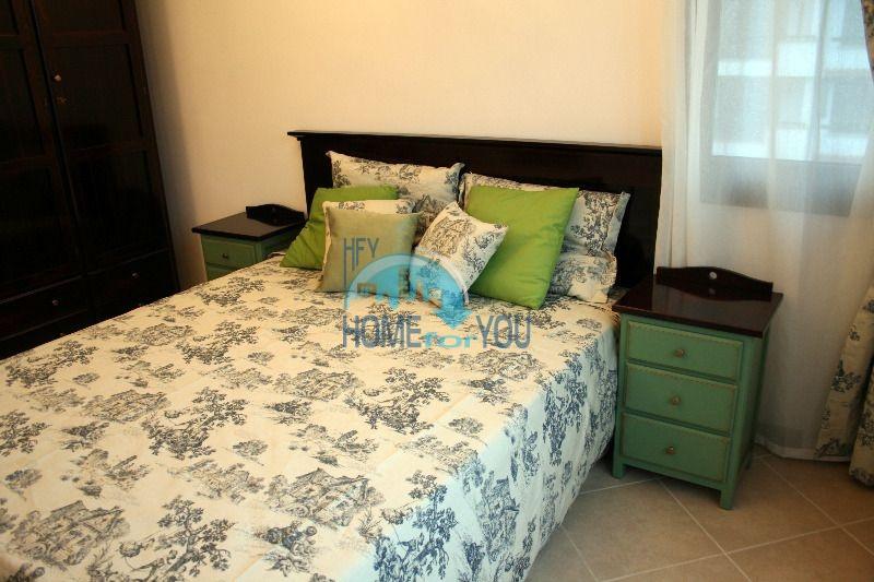 Двухкомнатный апартамент с высокими потолками и морской панорамой в элитном Оазис Резорт и Спа, Лозенец 5