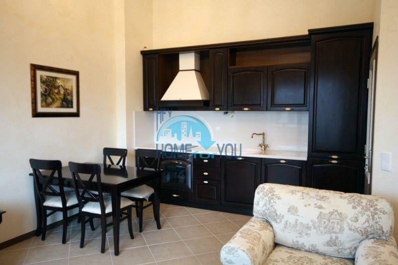 Двухкомнатный апартамент с высокими потолками и морской панорамой в элитном Оазис Резорт и Спа, Лозенец 6
