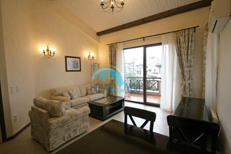 Двухкомнатный апартамент с высокими потолками и морской панорамой в элитном Оазис Резорт и Спа, Лозенец 7