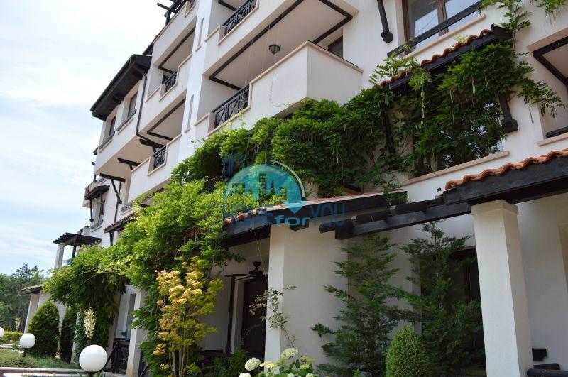 Продажа меблированной квартиры в комплексе на берегу моря в комплексе Оазис Ризорт и Спа