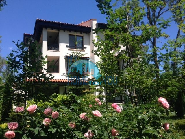 Светлая двухкомнатная квартира с прекрасным видом в роскошном комплексе Oasis Resort And Spa, Лозенец 14
