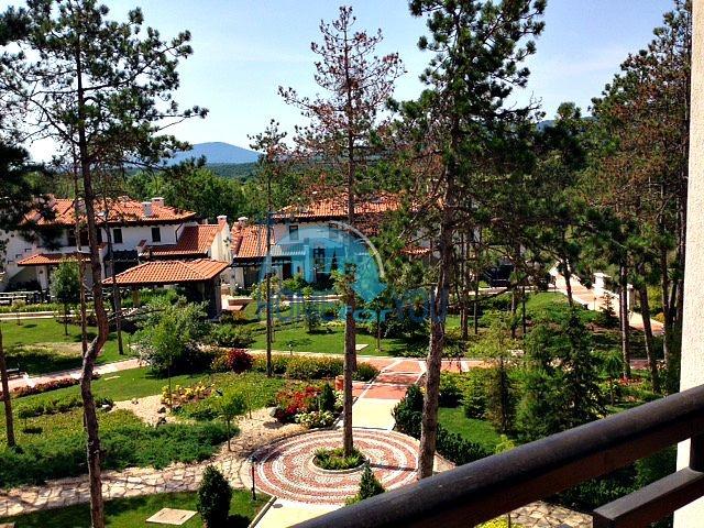 Светлая двухкомнатная квартира с прекрасным видом в роскошном комплексе Oasis Resort And Spa, Лозенец 12