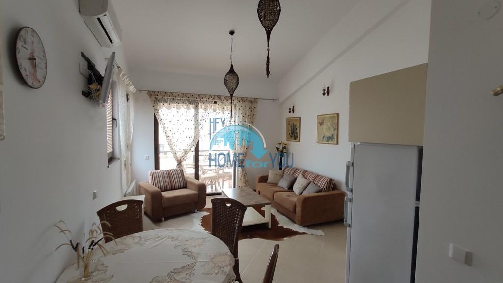Шикарная, просторная двухкомнатная квартира на первой линии в комплексе Оазис, Лозенец