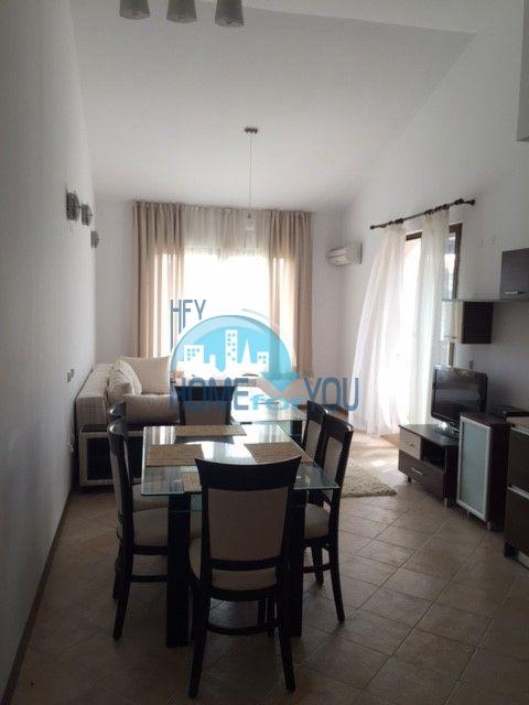 Шикарная трехкомнатная квартира 156,70 кв.м с высоким потолком в великолепном комплексе
