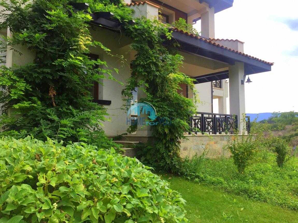 Выгодная двухкомнатная квартира с выходом в прекрасные сады в элитном комплексе Oasis Resort & Spa, экологически чистый курорт Лозенец