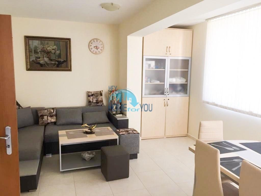 Добротная трехкомнатная квартира в Несебре, район Черное море