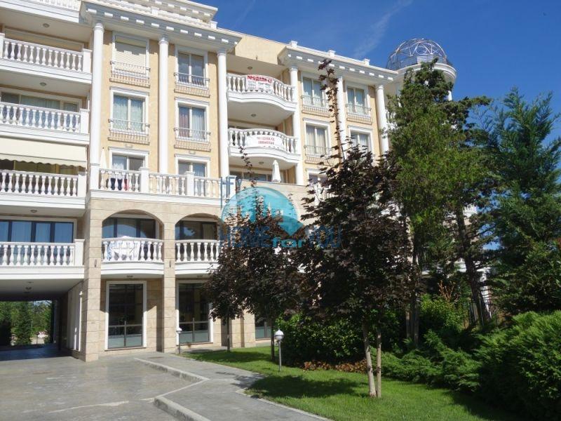 Элитная трехкомнатная квартира в городе Несебр