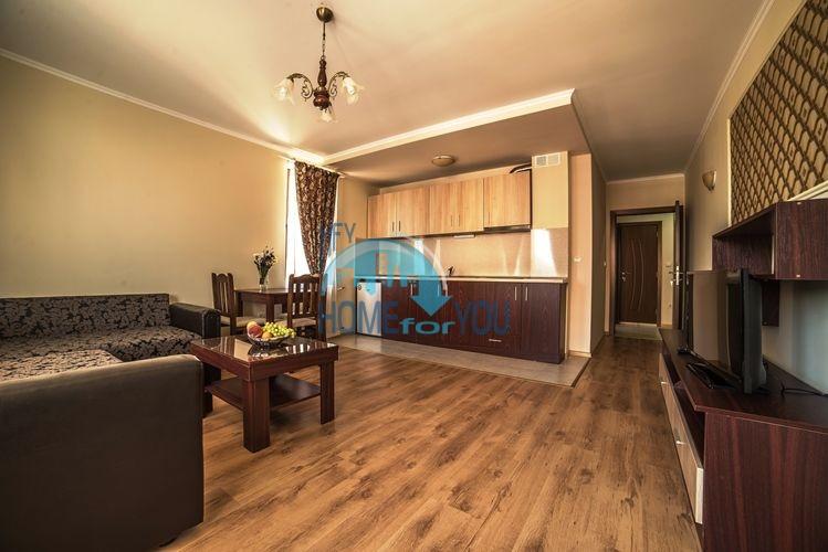 Новая меблированная двухкомнатная квартира в Несебре