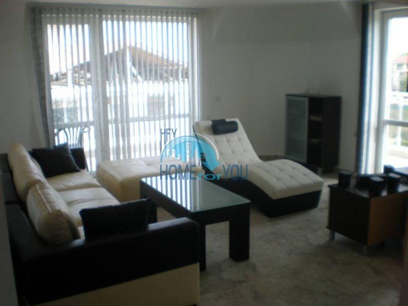 Двухуровневая просторная квартира с видом на море в Несебре 4