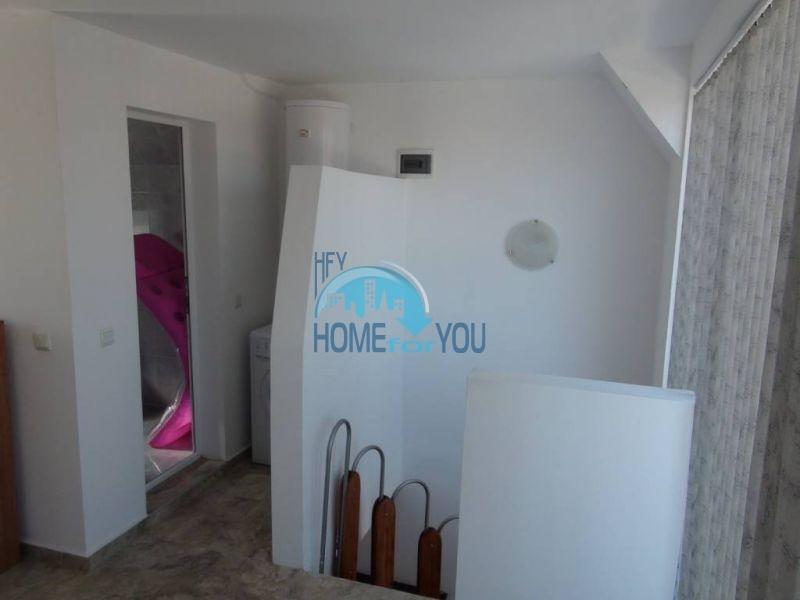 Двухуровневая просторная квартира с видом на море в Несебре 10
