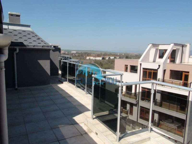 Двухуровневая просторная квартира с видом на море в Несебре 17