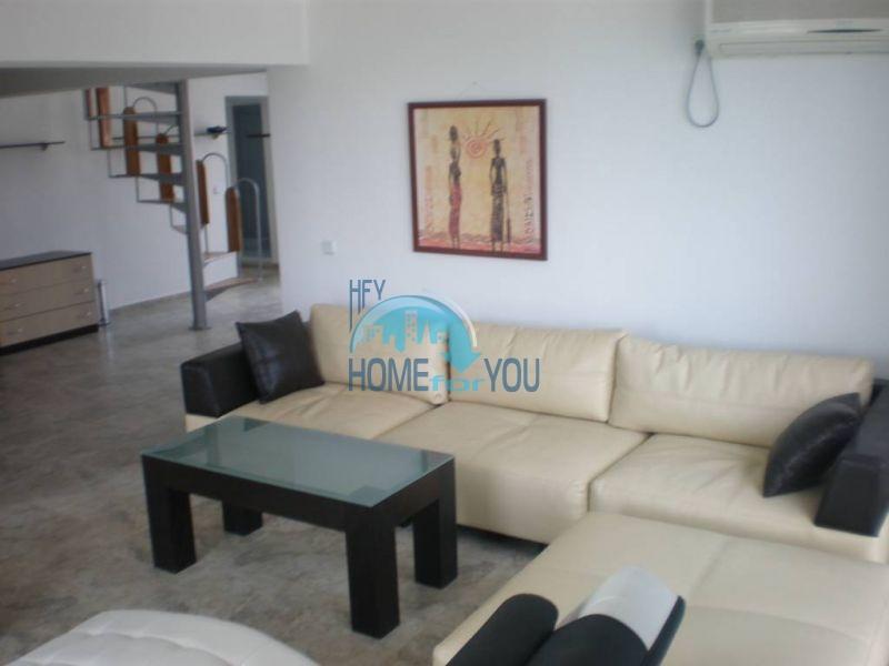 Двухуровневая просторная квартира с видом на море в Несебре 3