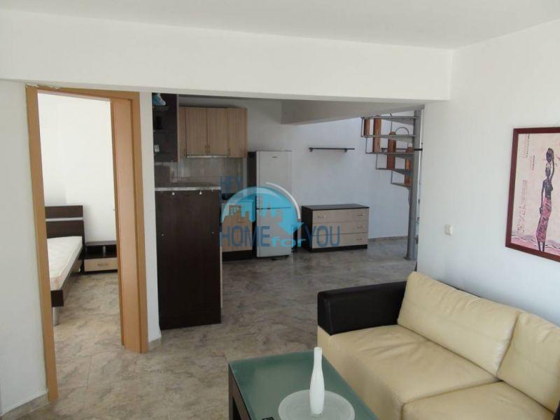 Двухуровневая просторная квартира с видом на море в Несебре 2