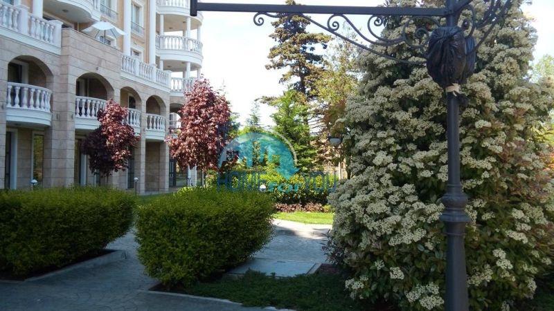 Городская недвижимость для ПМЖ - элитная двухкомнатная квартира в Несебре 19