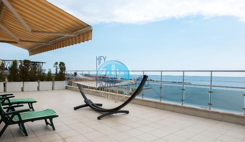 Фешенебельный пентхаус с восхитительным видом на море и просторной террасой в комплексе «Vigo Beach», город-музей Несебр