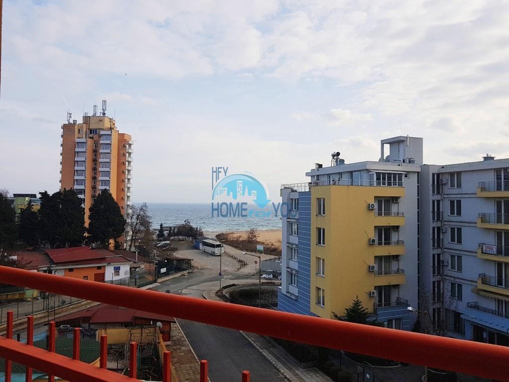 Просторная трехкомнатная квартира с прекрасным видом на море в Несебре