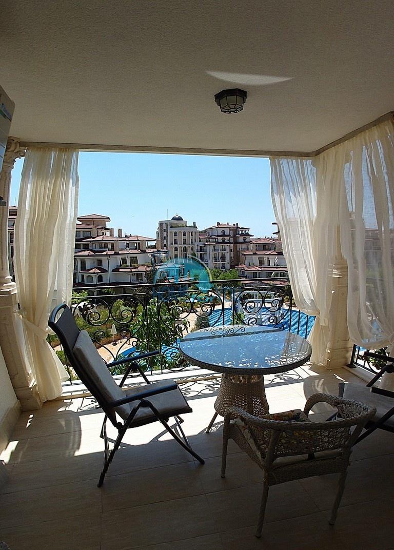 Шикарная двухкомнатная квартира с прекрасном видом в Несебре