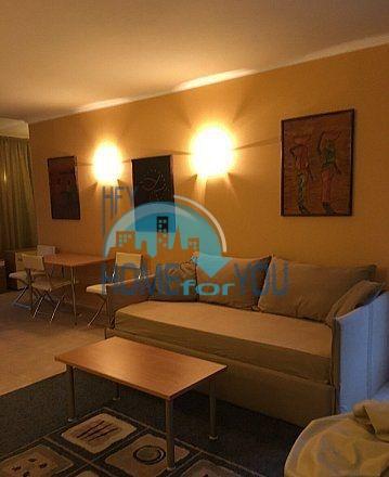 Трехкомнатная меблированная квартира в городе Несебр