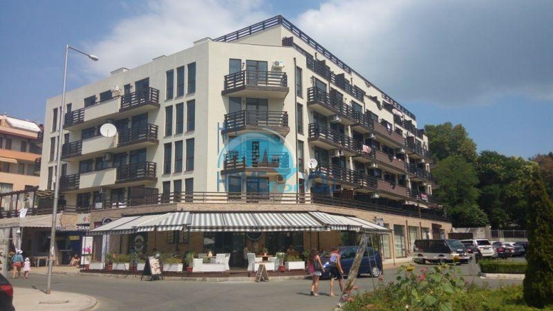 Уютная двухкомнатная квартира у моря в Несебре на первой линии