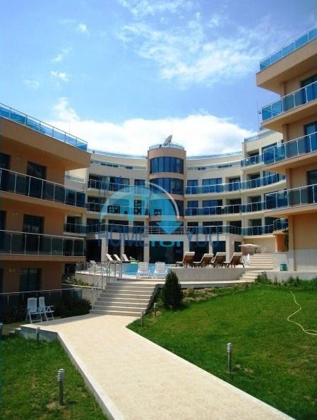 Двухкомнатная квартира с видом на море, в 50 метрах от пляжа в Обзоре