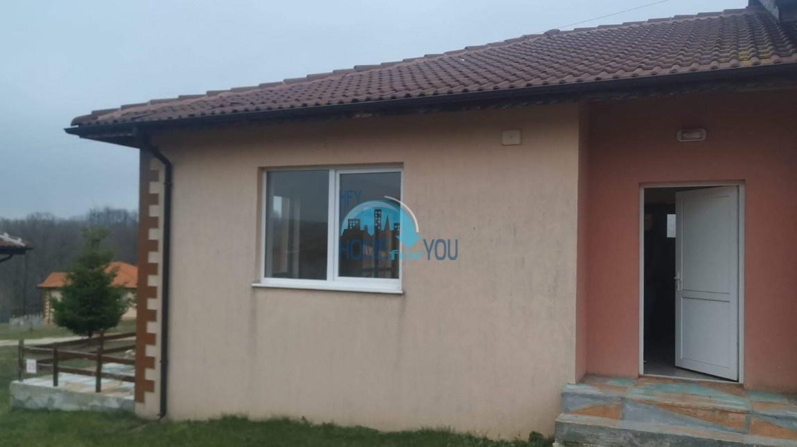 Обзор, поселок Баня. Новый дом с видом на горы, в 5 км. от берега моря
