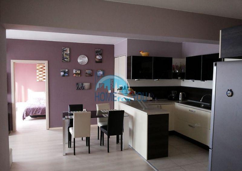 Четырехкомнатная квартира класса люкс в городе Черноморец