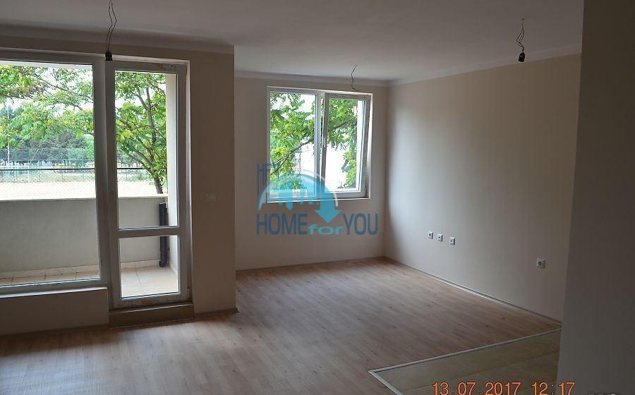 Новая двухкомнатная квартира в элитном жилом доме в Поморие