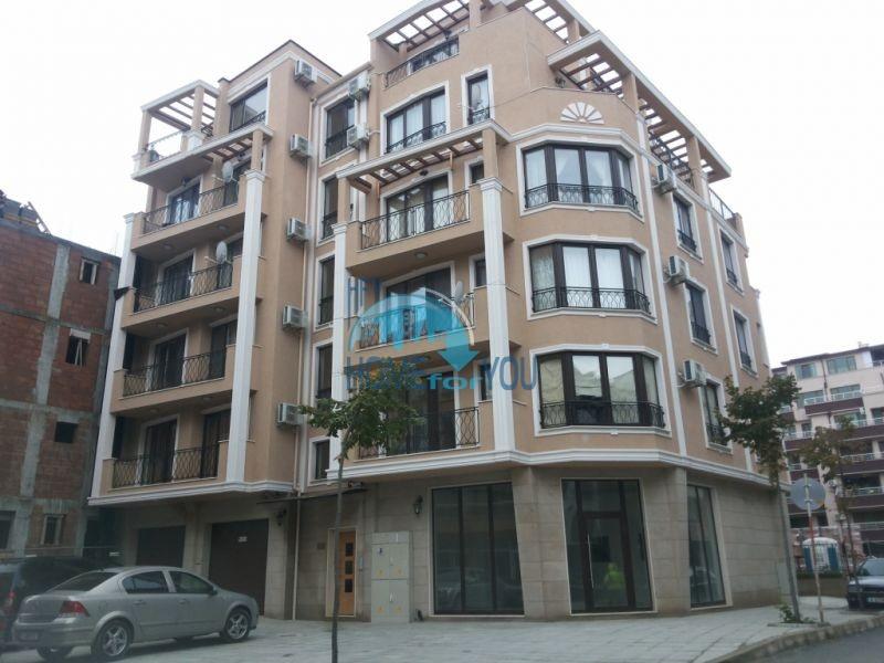 Готовая трехкомнатная квартира для постоянного проживания в Поморие  15