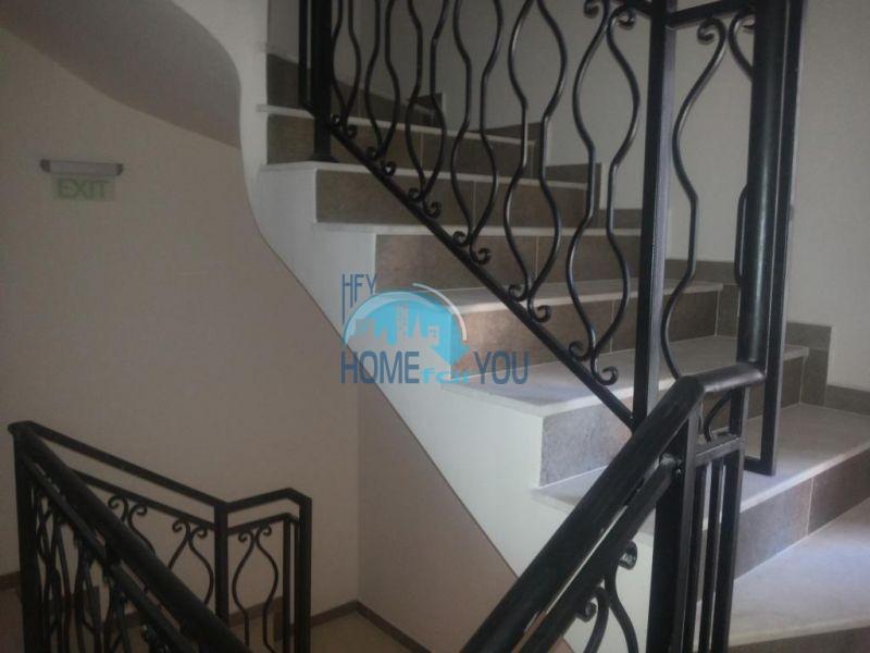 Готовая трехкомнатная квартира для постоянного проживания в Поморие  16
