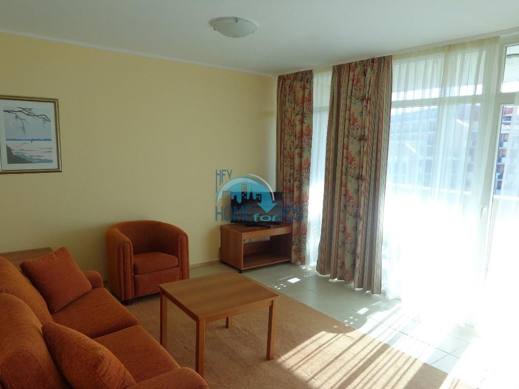 Отличная двухкомнатная квартира с видом на море, на первой линии  в Поморие 10