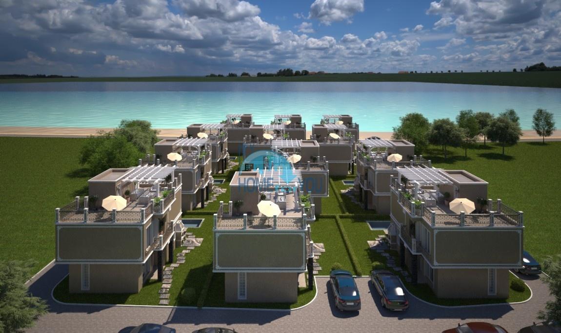Прекрасные дома в г. Поморие на первой линии с собственным пляжем