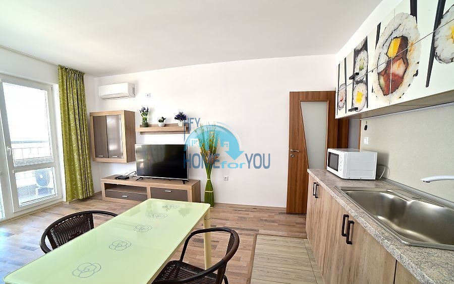 Трехкомнатная квартира для ПМЖ с видом на море в Поморие