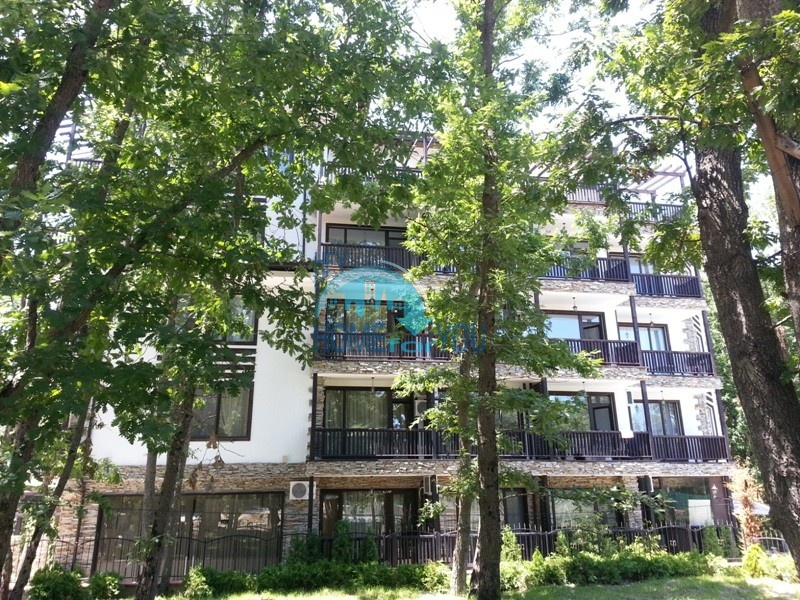 Уютные апартаменты недалеко от пляжа в центре Приморско - комфортабельный комплекс «Green Paradise I»
