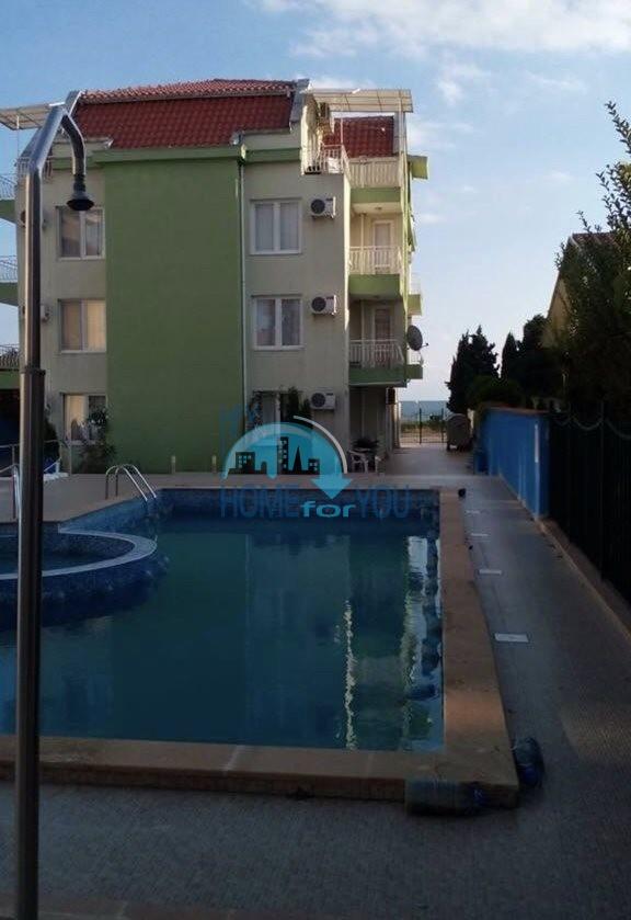 Aпартамент с одной спальней  на первой линии моря в Равде
