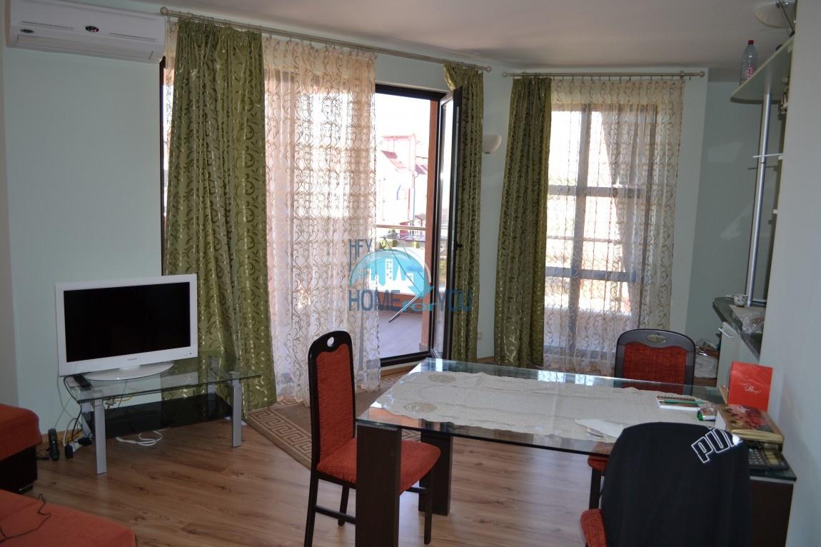 Большая двухкомнатная квартира с видом на море в Равде 7