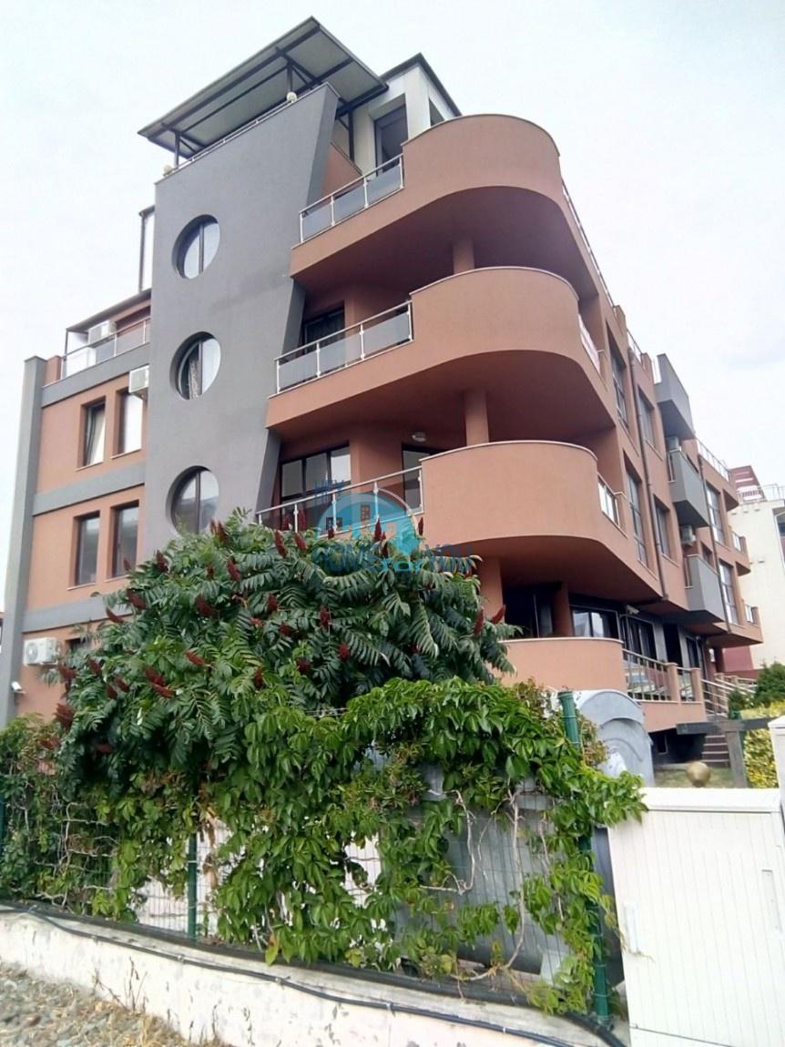 Большая двухкомнатная квартира с видом на море в Равде 2