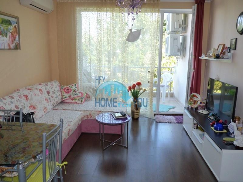 Чудесная, уютная трехкомнатная квартира в центре Равда, комплекс Вилла Глория