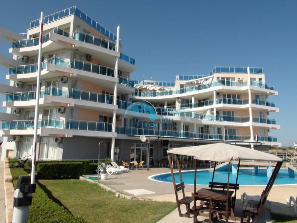 Дешевая, меблированная двухкомнатная квартира в Равде